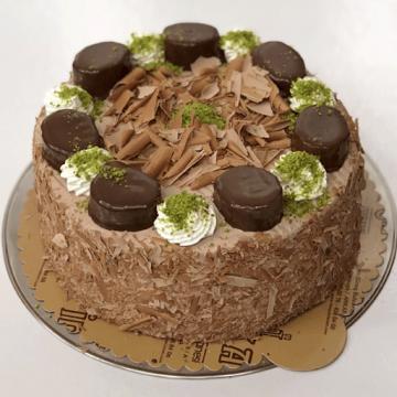YAŞ PASTA (Pastanin üzerindeki şekiller farklılık gösterebilir,siz sadece çikolatalı veya meyveli mi olacağına karar verin.